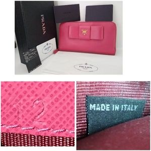 Auth Prada Zippy Leather Wallet Clutch Card + Box